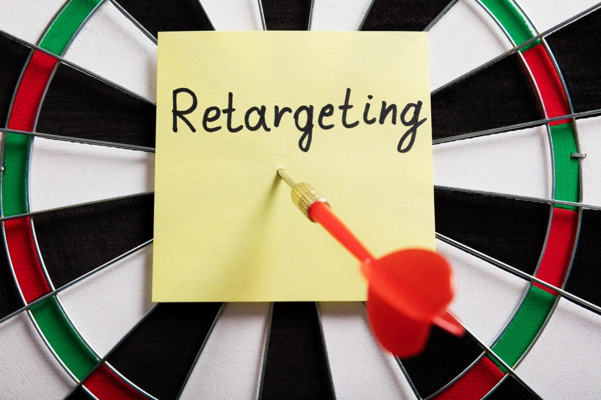 retargeting - Concept Of Retargeting On Dartboard